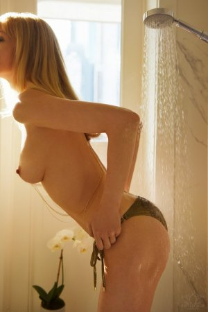 Ylana erotic massage in Shaker Heights