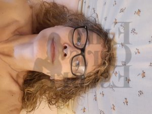 Gislaine erotic massage and mature live escort