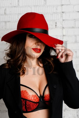 Saveria mature live escort in Gainesville Texas, tantra massage