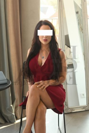 Yvelyse escort in Knoxville & tantra massage