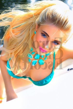 Gilliane escort girl & happy ending massage